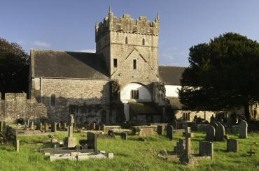 Priordy Ewenni/Ewenny Priory