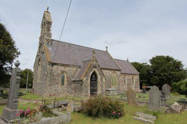 golygfa o'r eglwys a'r fynwent / view of church and graveyard
